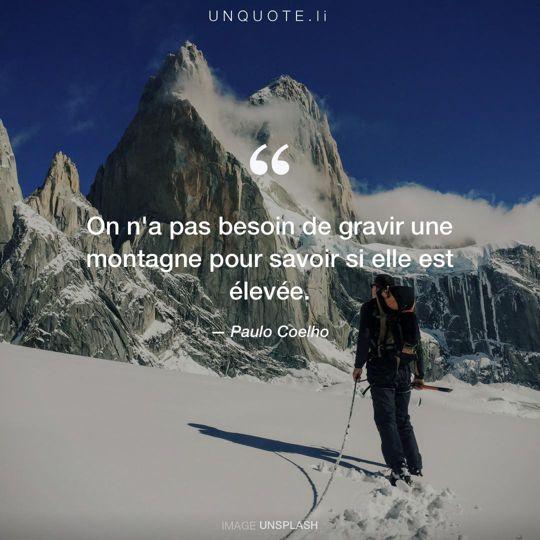 Image d'Unsplash remixée avec citation de Paulo Coelho.