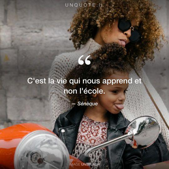 Image d'Unsplash remixée avec citation de Sénèque.